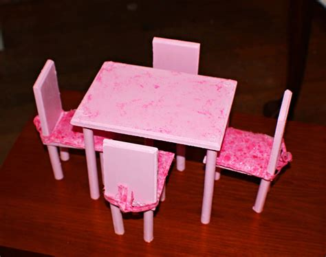 Diy Barbie Table And Chairs